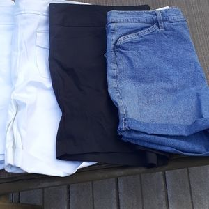 Bunddle of Brand new shorts different sizes
